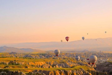 hot air ballooning © Daniela Cuevas
